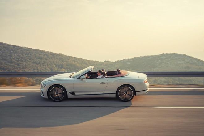 Bentley Continental GT Convertible 2020 sử dụng cơ sở gầm bệ bằng nhôm và thép cường độ cao