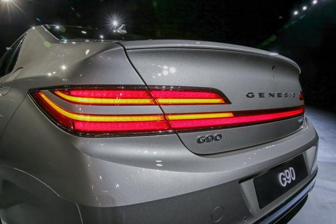 Cụm đèn hậu độc đáo của Genesis G90 2019