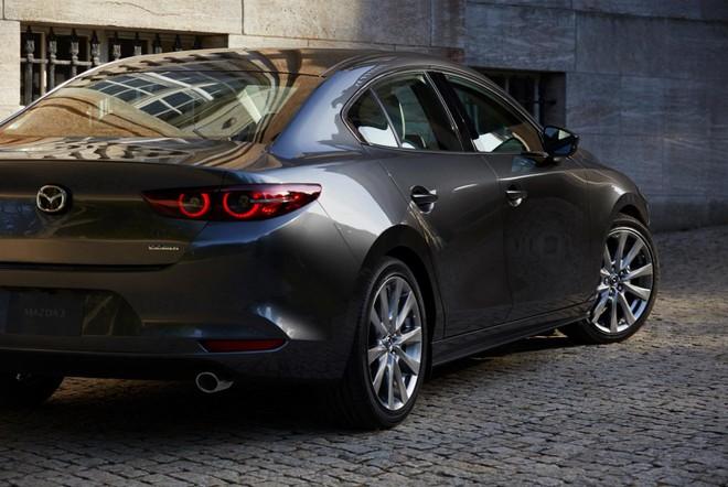 Mazda3 2019 động cơ xăng SkyActiv-X chạy bằng xăng nhưng có thể đánh lửa như máy dầu