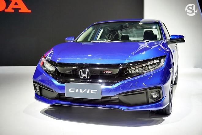 Honda Civic 2019 được trang bị đầu xe cải tiến