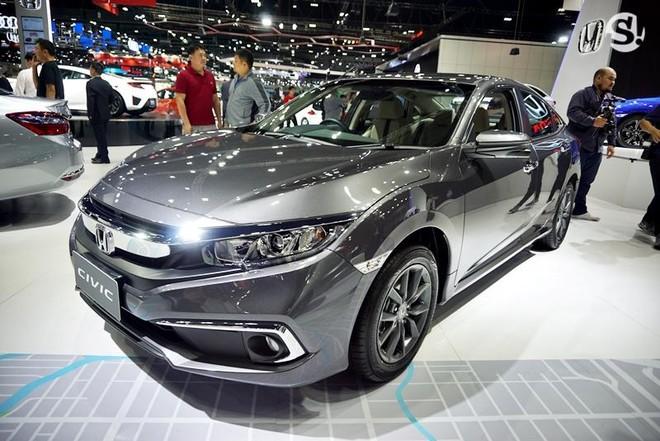 Honda Civic 1.8 EL 2019 được trang bị đèn pha projector