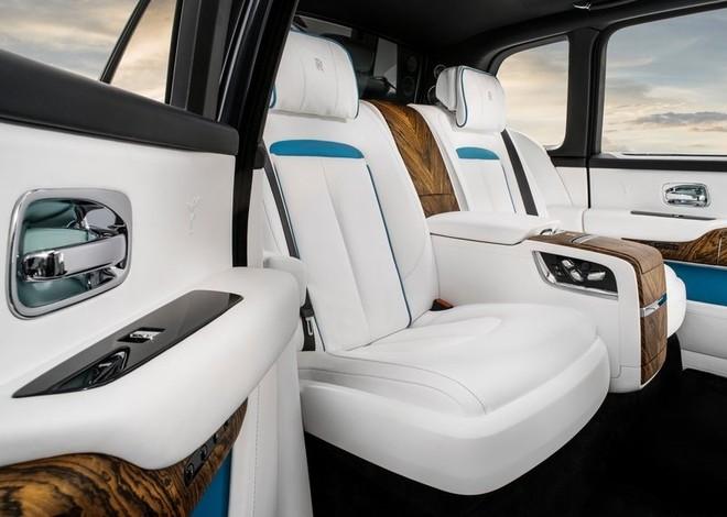 Và đây là option Individual Seat chỉ có 2 ghế thương gia