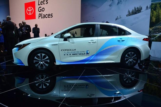 Toyota Corolla Hybrid 2020 ra mắt thị trường Mỹ lần đầu tiên ở triển lãm Los Angeles 2018