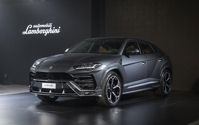 Lamborghini Urus 2019 đang được trưng bày tại Thái Lan có ngoại và nội thất giống hệt chiếc đã về Việt Nam trước đó