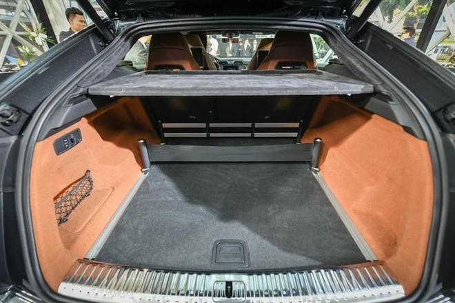 Siêu SUV Lamborghini Urus có khoang hành lý lên đến 616 lít