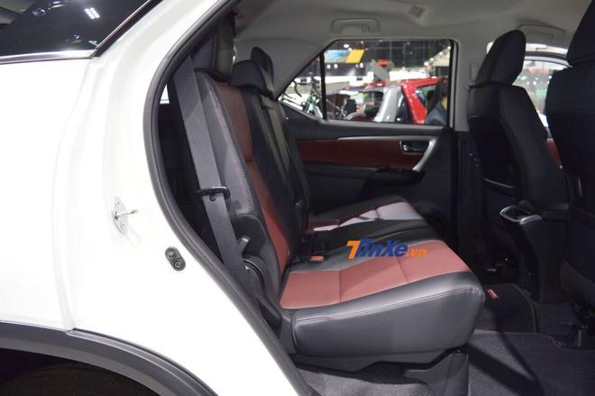 Hàng ghế sau của Toyota Fortuner phiên bản đặc biệt