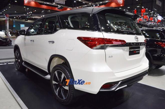 Toyota Fortuner TRD Sportivo 2 dùng động cơ như bản thường