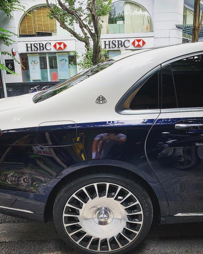 Bộ mâm đa chấu kép mạ crôm trên xe siêu sang Mercedes-Maybach S560 4Matic của em trai Ngọc Trinh