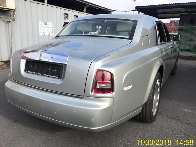 Thêm 1 chiếc Rolls-Royce Phantom Series II cập cảng Hải Phòng