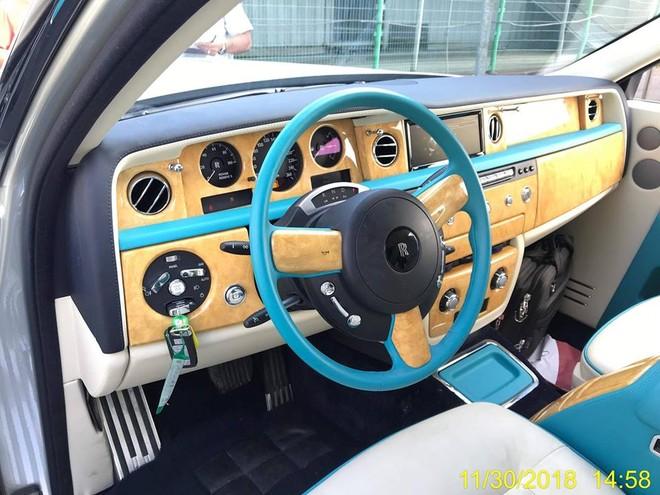Nội thất chiếc Rolls-Royce Phantom Series II khá giống với các nhà giàu Dubai hay thể hiện