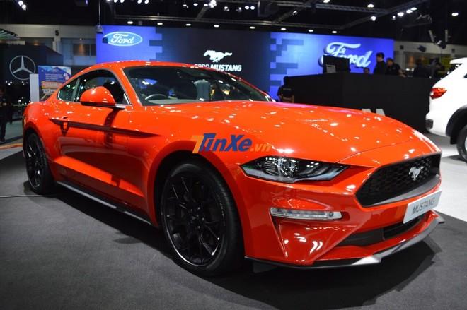 Sửa đổi của Ford Mustang đời 2019 tập trung vào đèn pha mới thể thao