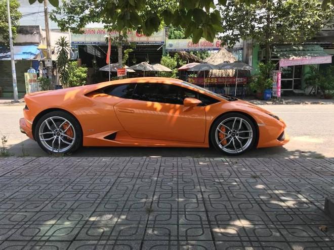 Đây là màu sơn zin của chiếc siêu xe Lamborghini Huracan LP610-4 tại Bình Dương