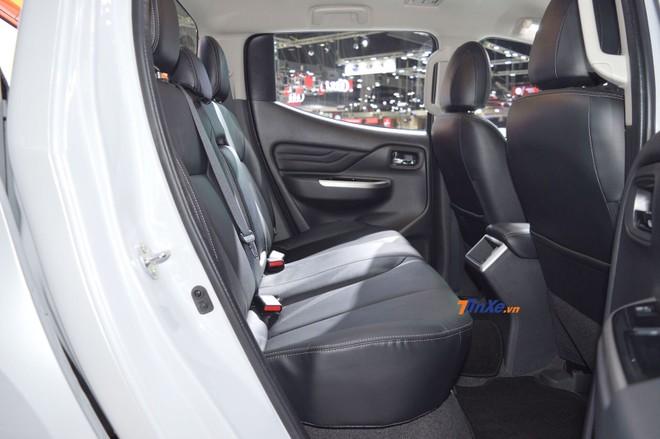 Hàng ghế sau của Mitsubishi Triton 2019
