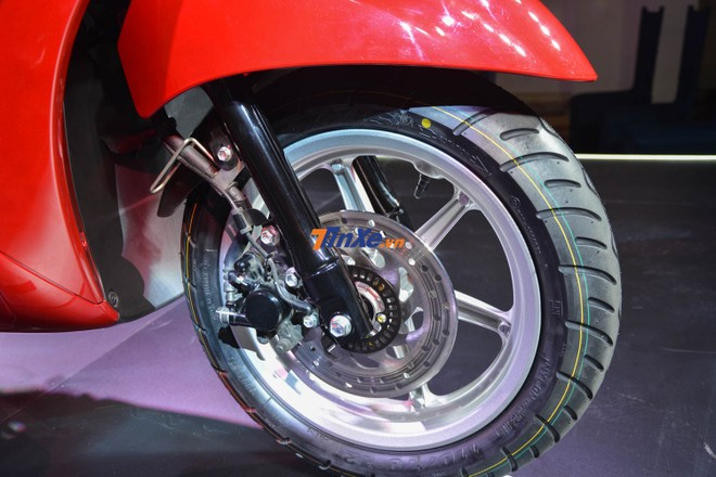Yamaha vẫn trang bị cho Grande bản nâng cấp phanh đĩa thủy lực phía trước