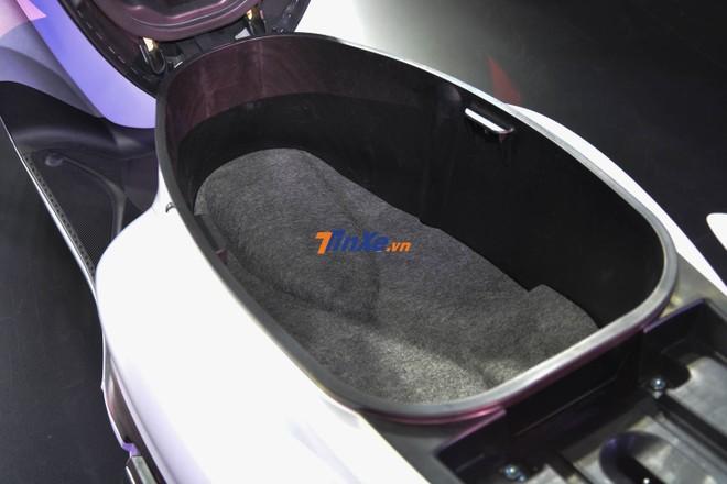 Cốp xe Yamaha Grande 2018 có thể tích lên đến 27 lít