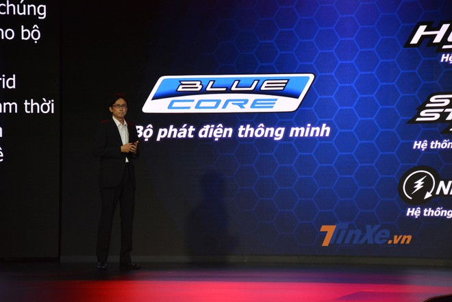 Trưởng nhóm dự án Yamaha Grande giới thiệu về động cơ Blue Core thế hệ mới