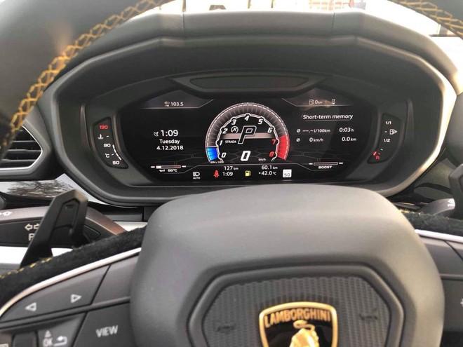 Lamborghini Urus được trang bị động cơ xăng V8, tăng áp kép, dung tích 4.0 lít
