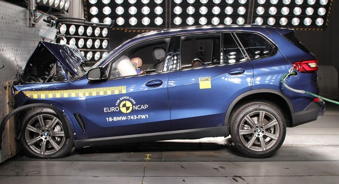 BMW X5 2019 bị Euro NCAP phát hiện lỗi túi khí đầu gối cho người lái