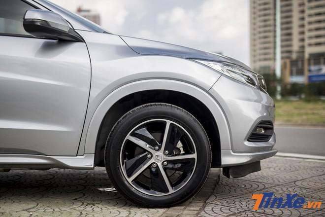 Bơm lốp đúng áp suất vào mùa đông sẽ giúp lốp xe hoạt động hiệu quả hơn.