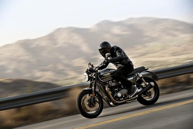 Triumph Speed Twin 1200 2019 sẽ cạnh tranh trực tiếp với Ducati Monster 1200