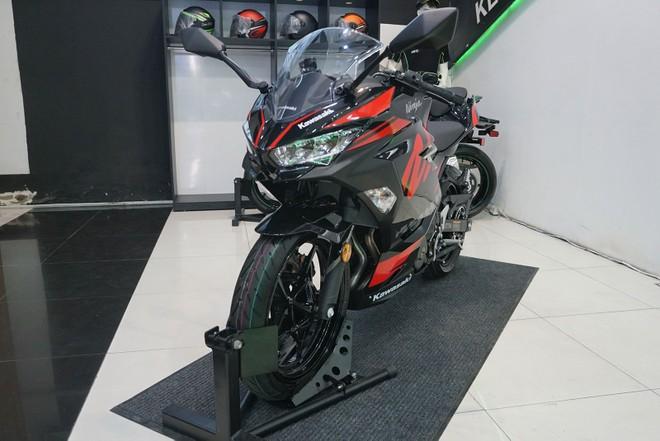 Kawasaki Ninja 400 ABS 2019 Motorrock Limited Edition màu đỏ