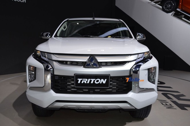 Thiết kế đầu xe như lột xác của Mitsubishi Triton 2019