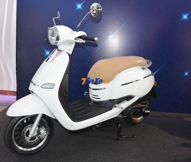 UMG Motor Selena có kích thước tổng thể bao gồm chiều dài 1.900 mm, rộng 690 mm và chiều cao là 1.135 mm