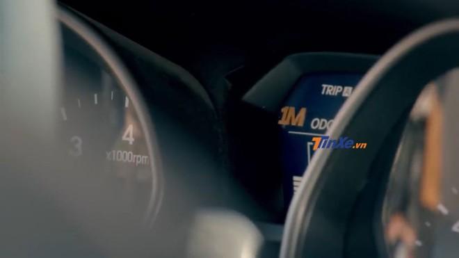 Logo 1M trong bảng đồng hồ