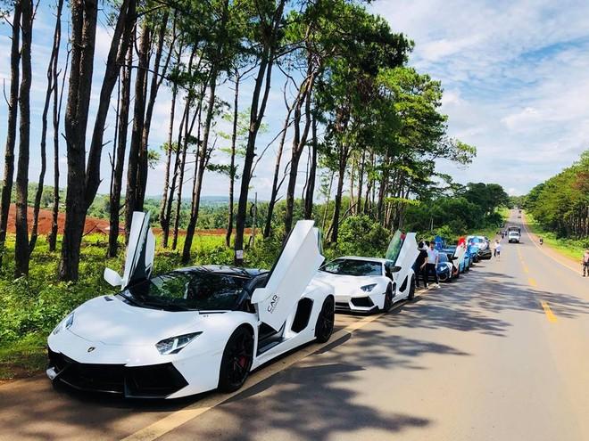 Siêu xe và xe thể thao có một năm nở rộ tại thị trường Việt Nam