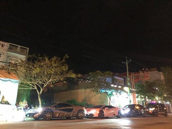 4 chiếc xe khủng của người yêu xe tại Bạc Liêu