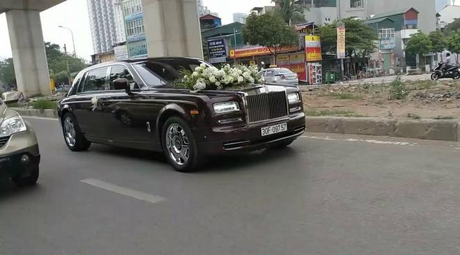 Rước dâu bằng Rolls-Royce Phantom
