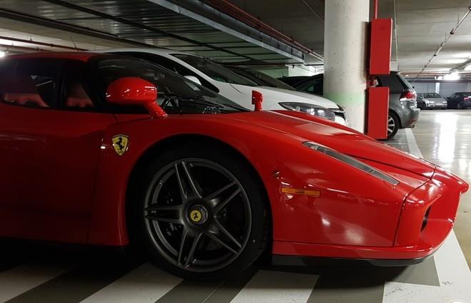 Ferrari Enzo được trang bị động cơ V12, dung tích 6.0 lít