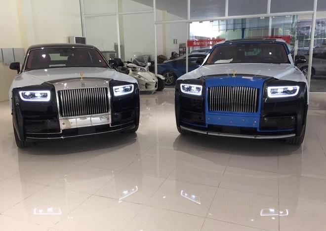 Hình ảnh cặp đôi Rolls-Royce Phantom VIII chờ khách tại Campuchia khiến đại gia Việt đau lòng