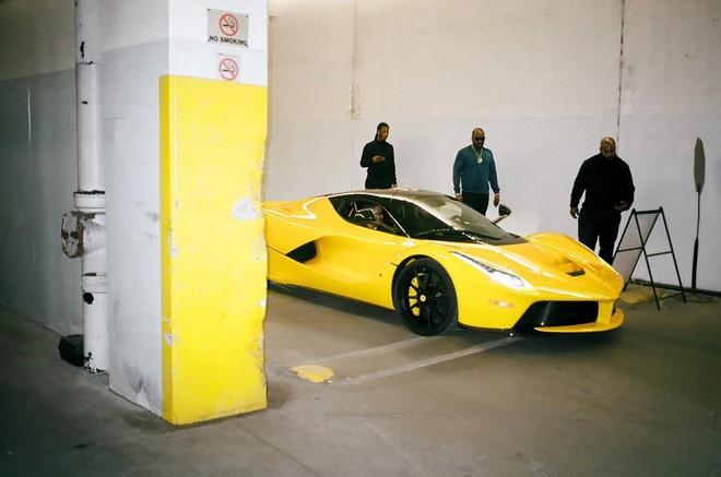 Chiếc siêu xe Ferrari LaFerrari của rapper Drake