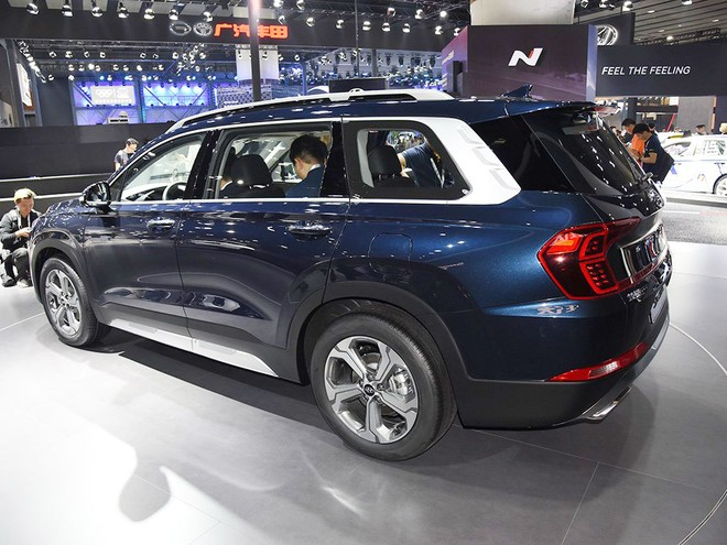 Hyundai Santa Fe 2019 phiên bản Trung Quốc sở hữu bộ vành hợp kim và cột D khác biệt