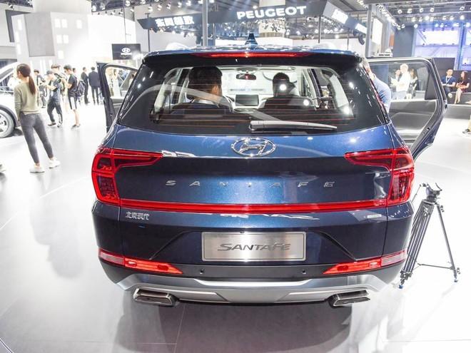 Thiết kế đuôi xe hoàn toàn mới của Hyundai Santa Fe 2019 phiên bản Trung Quốc