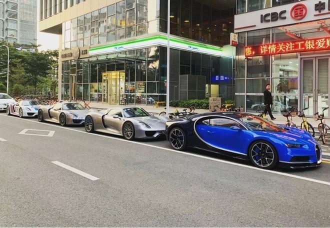 Độ hoành tráng của bức ảnh siêu xe chụp tại Trung Quốc khiến cư dân mạng ngỡ đây là ở Monaco, Anh quốc hay Mỹ