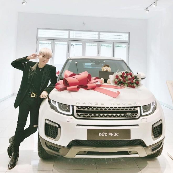 Range Rover Evoque Đức Phúc tậu trong năm 2018 thuộc bản HSE