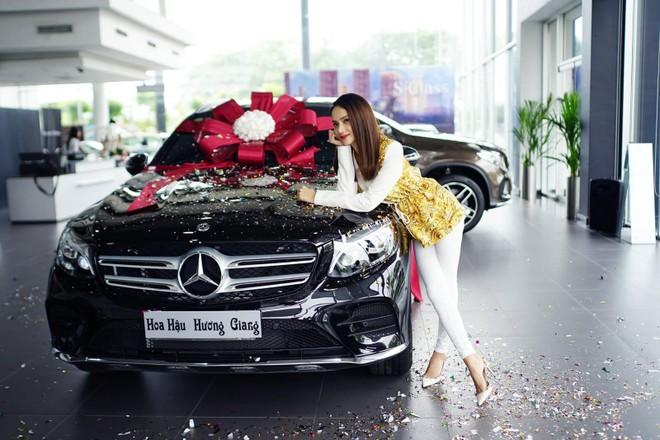 Và Hương Giang idol đều chọn mua chiếc Mercedes-Benz GLC300 AMG