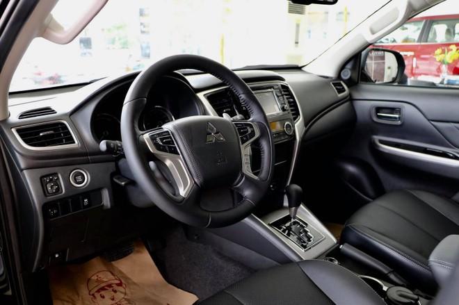 Nội thất của Mitsubishi Triton 2019