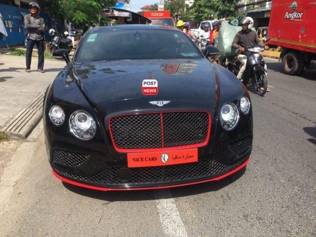 Chiếc Bentley Continental GT W12 2016 mới gặp nạn tại Campuchia vào ngày 3/1