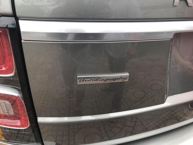 Chiếc Range Rover đời 2018 nhập khẩu chính hãng đầu tiên tại Bình Dương thuộc phiên bản Autobiography