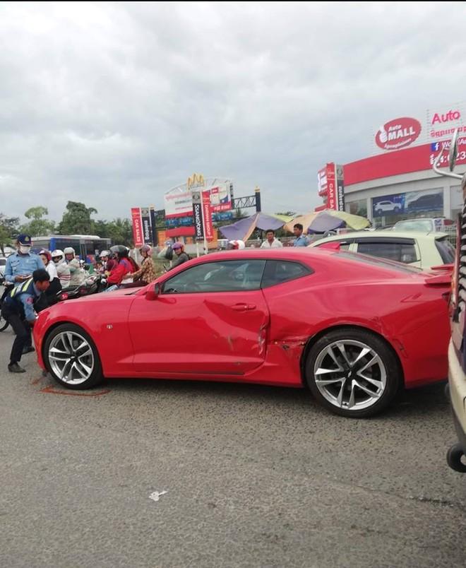 Thiệt hại dành cho chiếc Chevrolet Camaro RS khá nặng
