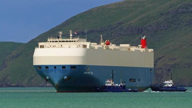 Con tàu chuyên chở hàng ngàn xe Nissan gặp nạn vào thứ 2 vừa qua và vẫn chưa xác định được vị trí