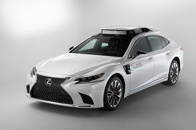 Mẫu xe thử nghiệm Toyota P4 dựa trên Lexus LS