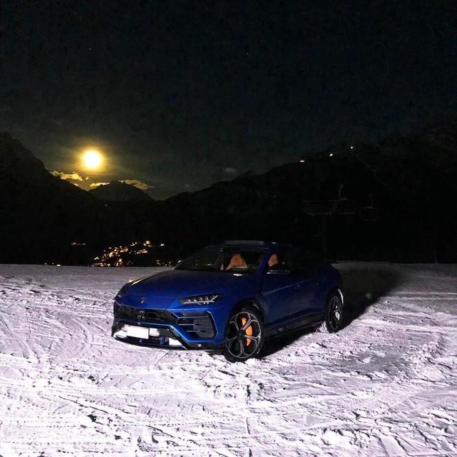 Minh Nhựa sẽ khó tìm được con đường hay ngọn đồi nào phủ đầy tuyết để trải nghiệm tính năng lái Neve