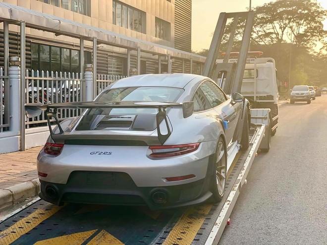 Địa điểm tập kết của mẫu siêu xe này chính là đại lý Porsche Việt Nam
