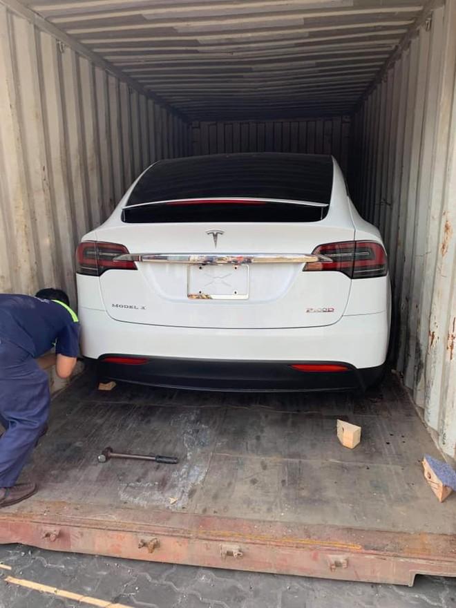 SUV điện Tesla Model X P100D đầu tiên về Việt Nam trong năm 2019