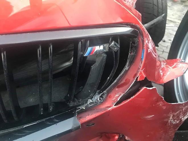 Dàn áo chiếc BMW M6 Gran Coupe hư hỏng khá nặng