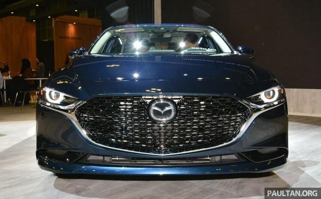 Cận cảnh thiết kế đầu xe của Mazda3 2019